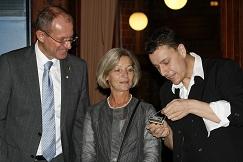 Feier im Bürgerhaus : Zauberer LIAR mit Bürgermeister Ulrich Roland