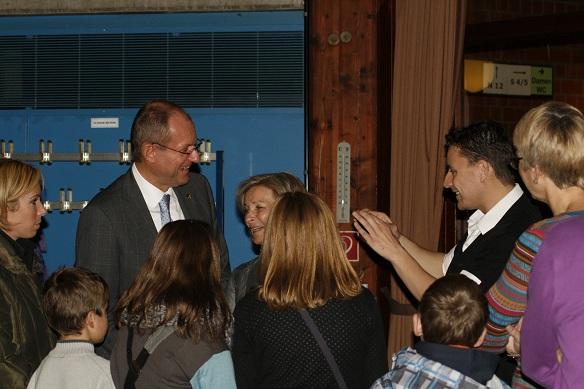 Zauberer LIAR mit Frau Roland und der Bürgermeistr Ulrich Roland