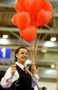 Ballonsverteilung Zauberer LIAR auf Hochzeitsmesse