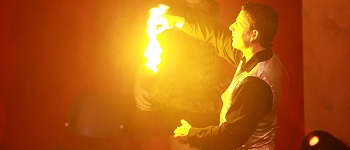 Zaubershow mit Feuer mit Zauberer LIAR